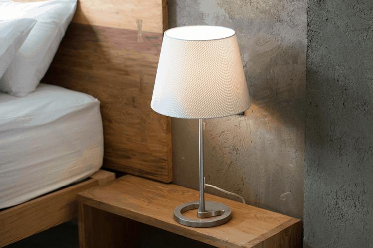 Премахване на петна от дървени мебели
